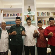 """PDIP Tetap Dukung Azwar Anas Meski Muncul Foto-foto """"Masa Lalu"""""""