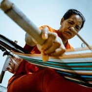 Wanita Kepala Keluarga, Penenun dari Mamasa