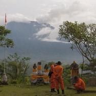 Gunung Agung Meletus: Jonan Jamin Pasokan BBM dan Listrik Aman