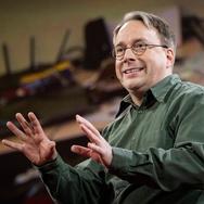 Linus Torvalds dan Linux: Simbol Perlawanan Terhadap Microsoft
