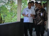 Walikota Solo Pimpin Sidak Pil PCC di Apotek dan Toko Bahan Obat