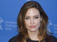 Angelina Jolie Mengaku Pernah Dilecehkan Harvey Weinstein