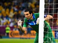 Buffon Capai Penampilan Spektakuler ke-1000