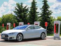 Tesla Pamerkan Mobil Listrik Berharga Rp4,4 M di IIMS 2017