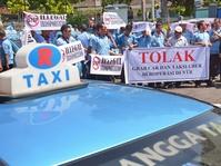 Legalisasi Taksi Online Ditarget Rampung Tahun ini