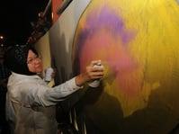 Risma Targetkan Folk Art Festival sebagai Destinasi Wisata