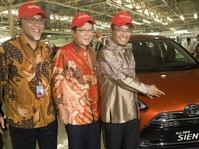 Toyota Investasikan Rp2,5 Triliun untuk Mobil Sienta