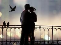 Mengapa Kita Bisa Jatuh Cinta?