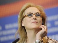 "Tanggapi Pidato Streep, Trump Menyebutnya ""Hillary Lover"""