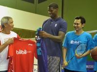 Atlet NBA Bermain Bulu Tangkis