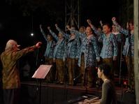 Dialita Tak Lagi Bernyanyi Sendiri