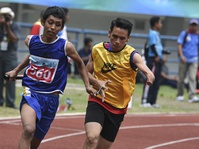 Tim Jabar Juara Lari Estafet Putra