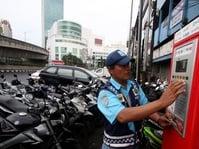 Djarot Persilakan Sandiaga Buat Kajian soal Parkir Meter