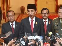 Pemutaran Film G30S/PKI Langkah Politik Jokowi Hadapi Gatot