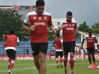 Madura United Pastikan Tak akan Lepas Dane Milovanovic