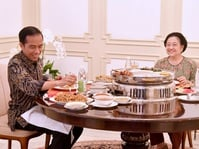 Apa Simbol-Simbol Politik Pertemuan Tertutup Jokowi dan Megawati?