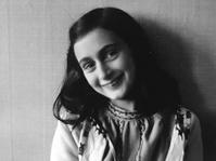 Puisi Anne Frank Terjual Seharga $148.000