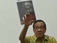 """Kalau Novanto Jadi Ketua DPR, Ade Mau Ditaruh Mana?"""