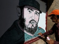 Fidel Castro Dimakamkan di Samping Jose Marti