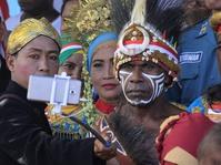 Di Jayapura Nusantara Bersatu Dimeriahkan Edo Kondologit