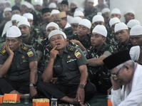 Pegawai Negeri Diimbau Kenakan Pakaian Muslim Saat Ramadan