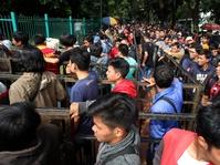 Tiket AFF Diborong Calo, Penggemar Timnas Datangi Kemenpora