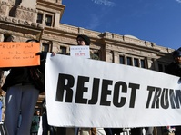 Rakyat AS Unjuk Rasa Tolak Pelantikan Donald Trump