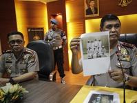 Densus 88 Geledah Rumah Terduga Teroris di Ciputat