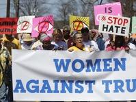 Perempuan-Perempuan yang Berpawai Menantang Trump