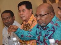 Gubernur Papua Dicecar 31 Pertanyaan oleh Penyidik
