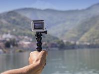 GoPro yang Sedang Menukik Tajam