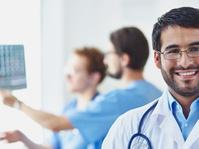 Dokter Lulusan Luar Negeri Merawat Pasien Lebih Baik