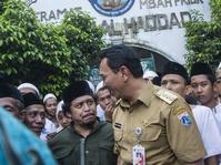 Beda Pendapat Ahok dan JJ Rizal Soal Makam Mbah Priuk