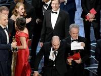 Oscar 2018: Jimmy Kimmel Sindir Insiden Salah Amplop Tahun Lalu