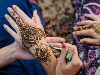 Bahaya di Balik Keindahan Henna