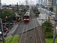 Jalur KRL: Dari Angkut Hasil Kebun Berkembang Angkut 1 Juta Manusia