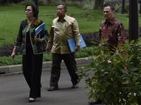 Jokowi Sodorkan Dua Nama Bankir Calon Ketua OJK ke DPR