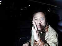 Habibie Minta Kader Golkar Dukung dan Bantu Setnov