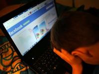 Pedofilia dan Pornografi Anak di Labirin Internet