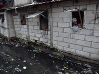 Mahalnya Air Bersih di Bantaran Waduk Pluit