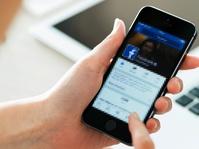 Facebook Tangguhkan Akun Jurnalis Setelah Ungkap Korupsi