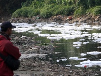Suramnya Mutu Air Sungai Indonesia