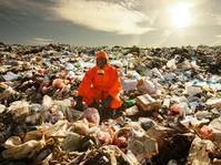 Menjaga Bumi dari Sampah dengan Bisnis Ekologis