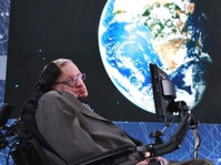 Stephen Hawking Sebut Teknologi Mampu Atasi Penyakit & Kemiskinan