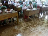 Sekolah di Padang Tunda Tes Kenaikan Kelas Akibat Banjir
