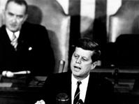 Saat Kennedy Ingin Amerika Serikat Mendarat di Bulan