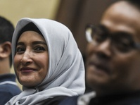 Inneke Koesherawati Pasrah Atas Vonis Suaminya Fahmi