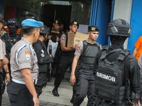 Polisi Geledah Rumah Kontrakan Terduga Teroris di Jabar