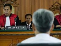 Majelis Hakim Tolak Tanggapan Eksepsi Pengacara Buni Yani