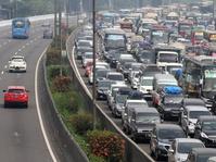 Kepadatan Terjadi di Tol Jakarta-Bandung